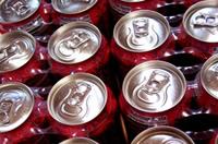 炭酸飲料の販売量は過去20年で最低を記録。エナジードリンクだけが伸び続け、飲料業界を支える存在に!?